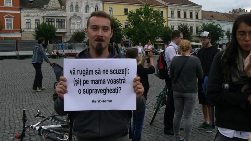 Capcană pentru Iohannis: parlamentarii scot oamenii în stradă în ziua investirii lui și îl obligă să aleagă între cetățeni și servicii. Ce va face președintele?