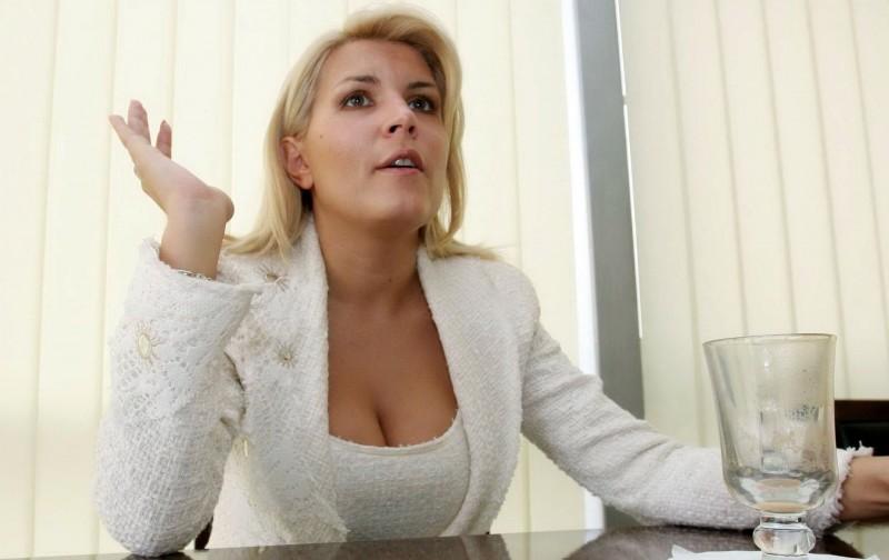 """Udrea dă din casă: """"Alin Cocoș i-a dat televiziunii lui Ghiță 500.000 de euro la solicitarea lui șefului SRI Florian Coldea. I-am făcut denunț la DNA"""""""