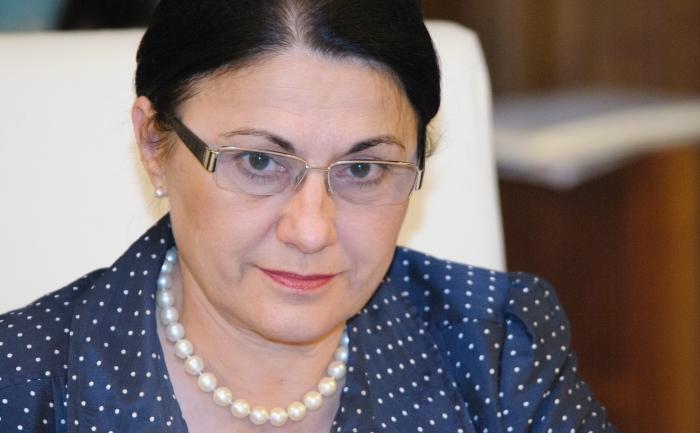 Plagiatorii sunt salvați din nou de Ecaterina Andronescu