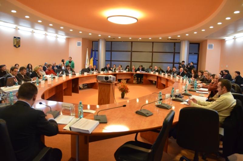 România Curată vă cheamă să reformăm împreună administrația publică. Cele mai bune propuneri vor fi promovate de SAR la dezbaterile Codului Administrativ