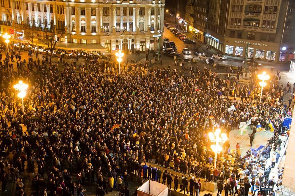 Tineri în luptă. Află cine sunt cei care au sunat mobilizarea pentru marile proteste civice de la Cluj și Timișoara