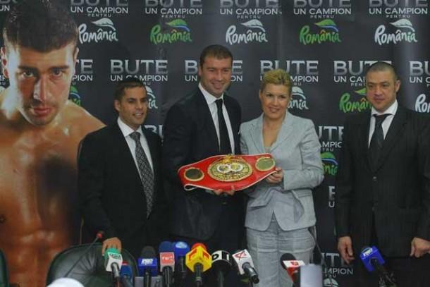 """""""Gala Bute"""" se termină, Elenei Udrea i se deschide un alt dosar"""
