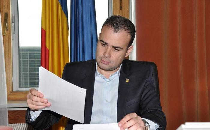 Darius Vâlcov aşteaptă acasă decizia instanţei. UPDATE Rămâne în arest la domiciliu