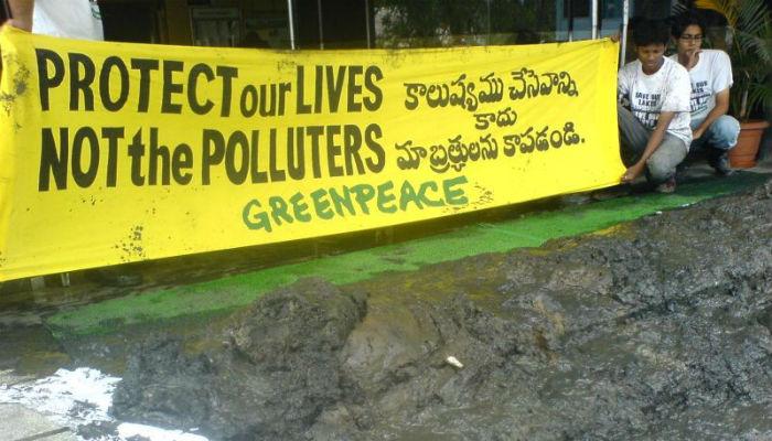 Petiţie pentru Greenpeace India. Organizaţia este ameninţată de atacurile repetate venite de la guvernul indian