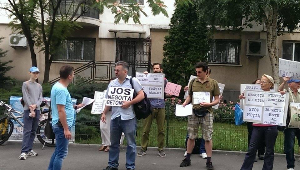 negoita protest 2