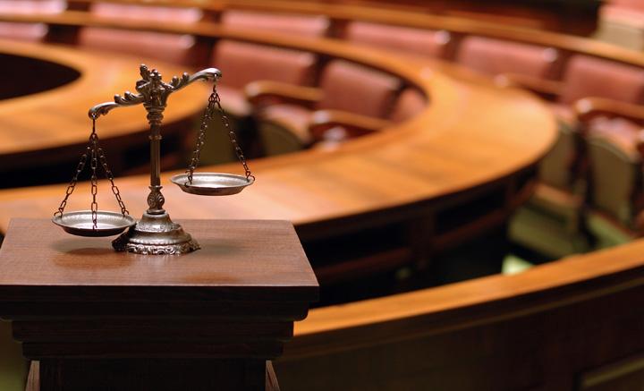 Instituţiile publice cheltuie o avere pe consultanţă juridică, deşi toate au personal specializat. Cum au răspuns solicitării România Curată