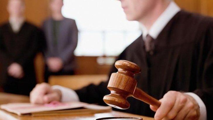 Prima suspendare a executării pedepsei în cazul unui condamnat pentru abuz în serviciu, după decizia CCR