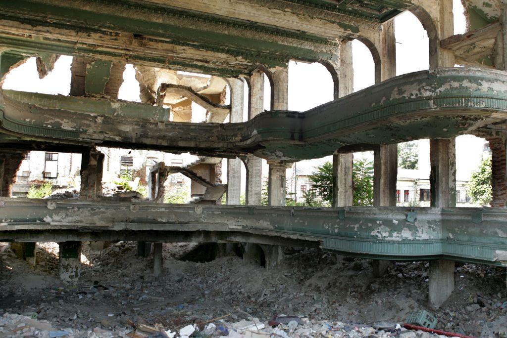 Ruine Feroviarul12 resize