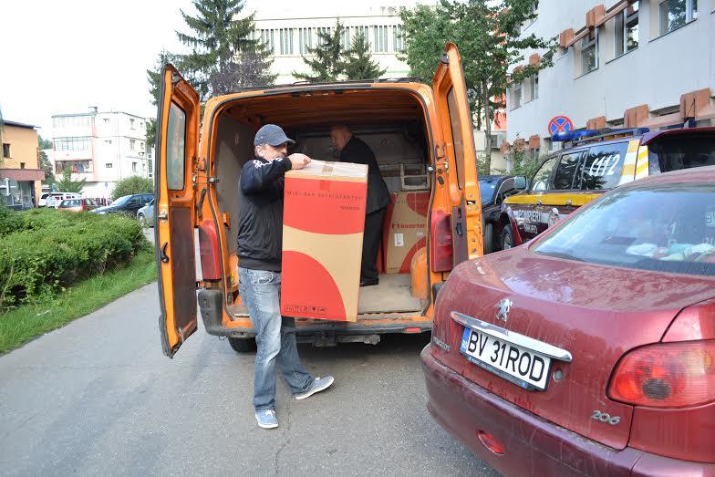 Un consilier local din Braşov a făcut o donaţie Spitalului Judeţean, după ce a simţit pe propria piele condiţiile în care stau pacienţii