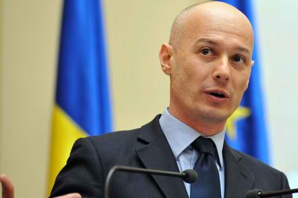 Bogdan Olteanu a fost trimis în judecată pentru că a primit un milion de euro șpagă de la Vîntu
