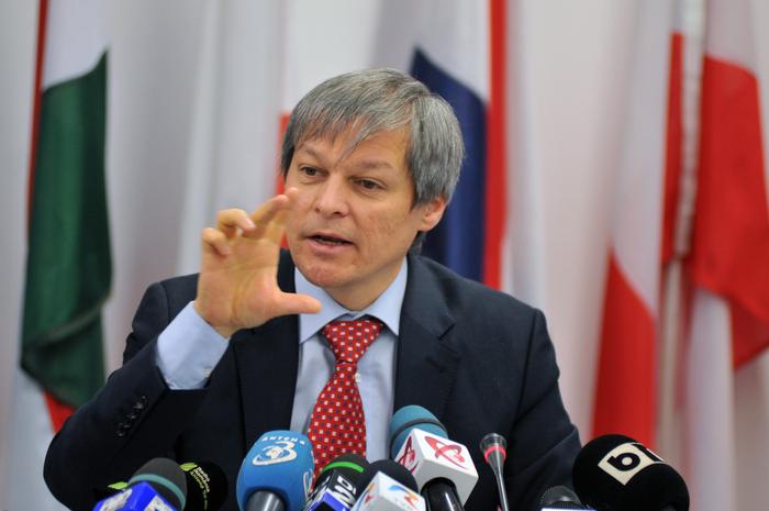 De ce trebuie Cioloș să își caute slujbă