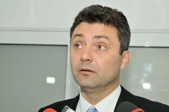 Tiberiu Niţu a fost pus sub acuzare. De ce consideră DNA că fostul procuror general i-a prejudiciat pe șoferii bucureșteni