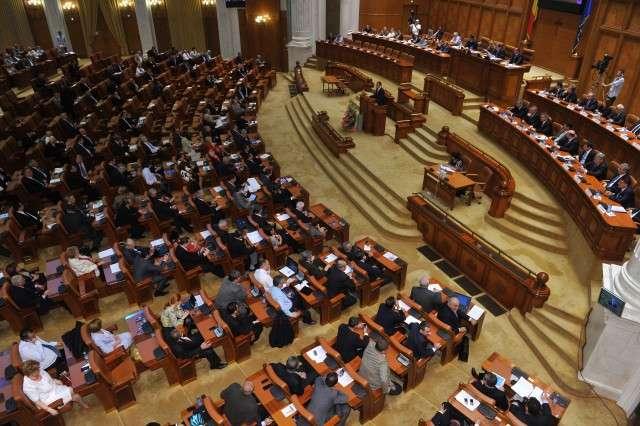 PSD şi Călin Popescu-Tăriceanu s-au opus dezbaterii proiectului de lege care prevede alegerea primarilor în două tururi