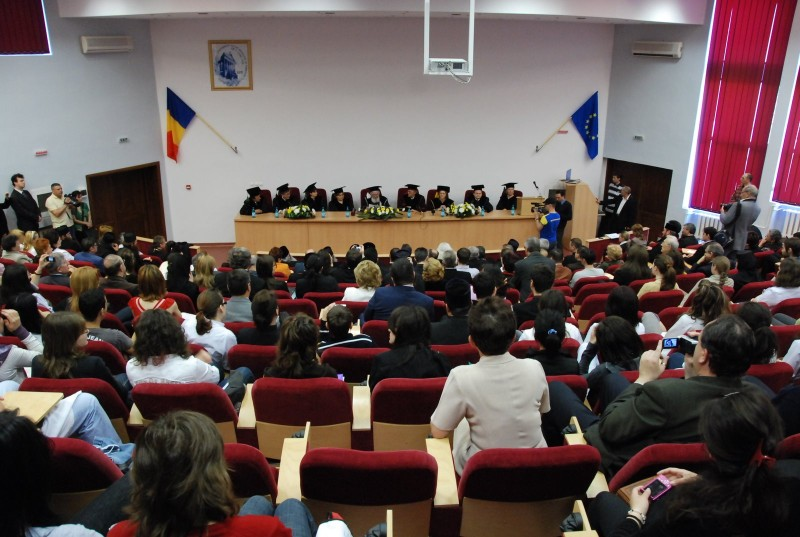 Ministerul Educației constată ilegalitățile de la UMF Iași: un doctorand angajat pe perioadă determinată nu poate deveni titular pe post fără să susțină un nou concurs