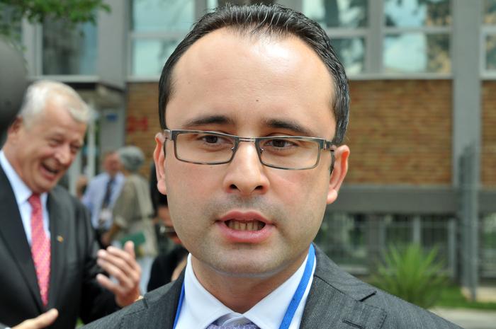 A trecut un an de când așteptăm răspuns la sesizarea făcută către CNATDCU privind doctoratul lui Cristian Bușoi