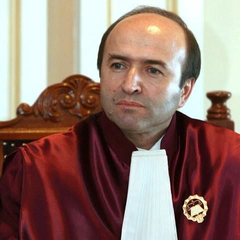 Un judecător constituțional a ajuns rectorul celei mai vechi universități din țară