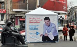 Cort Nicusor Dan langa magazinul Eva