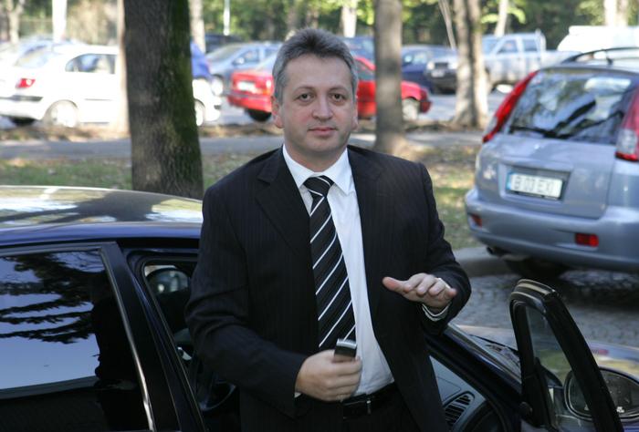Fenechiu s-a obișnuit cu închisoarea. DNA îl suspectează într-un nou dosar că a luat 620.000 de euro mită de la o firmă de IT