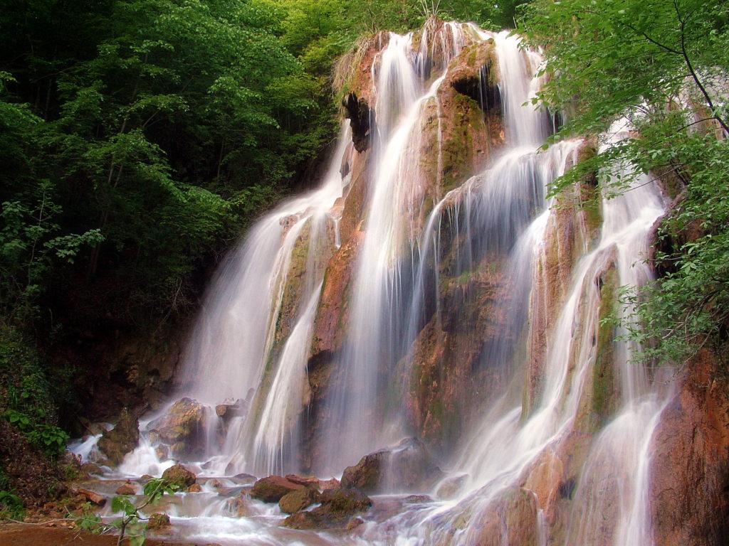 Cascada Beușnița, una dintre minunățiile Parcului (foto: Cătălin Buda)