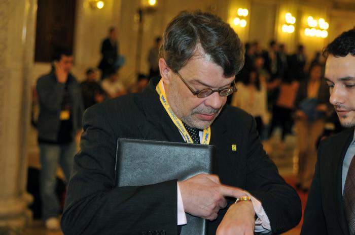 BLOG DE PARLAMENTAR – MIHAI GOȚIU: Parlamentul a ales politrucul în fruntea AEP