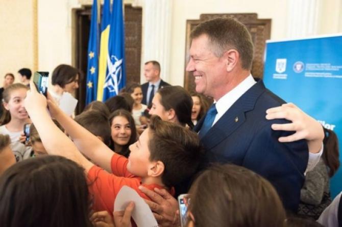 Domnule preşedinte al României, asta nu aşa se face!O scurtă notă asupra proiectului prezidenţial România Educată