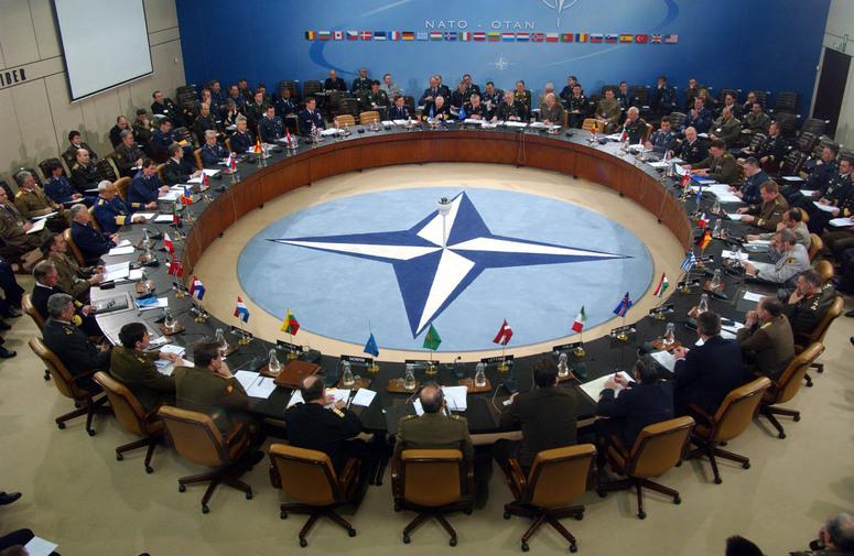 New Deal pentru NATO? Cum vede Bruce Ackerman (Yale) o oportunitate într-unul dintre cele mai întunecate momente ale istoriei Europei