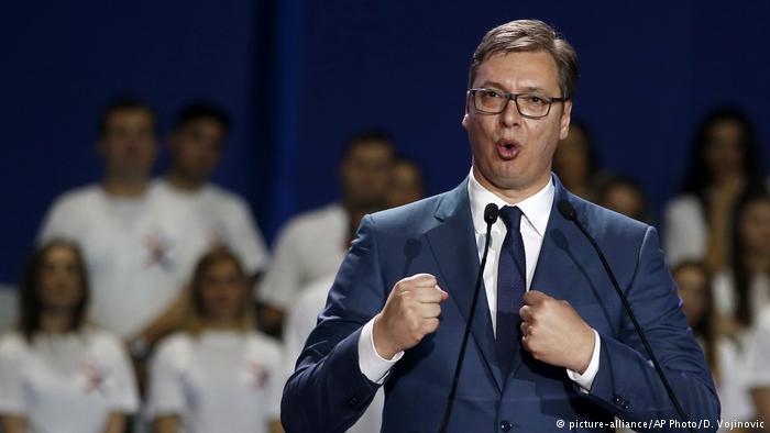 Premierul Vucici câștigă prezidențialele din Serbia