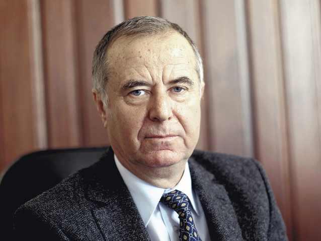 BLOG DE PARLAMENTAR – MIHAI GOȚIU: Dle ministru Pavel Năstase, și dvs schimbați Educația peste noapte, ca hoții?