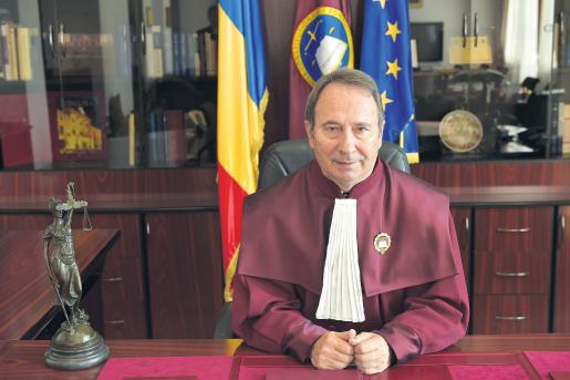 USR propune modificarea Legii CCR pentru eliminarea riscului de politizare a instituției