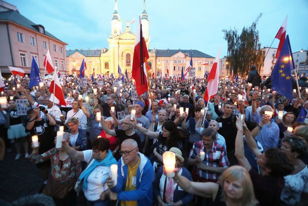 """Președintele Poloniei blochează """"reformele"""" din Justiție"""