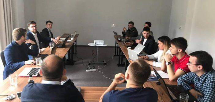 Studenții din centrul și estul Europei condamnă încălcarea drepturilor minorităților în Ucraina