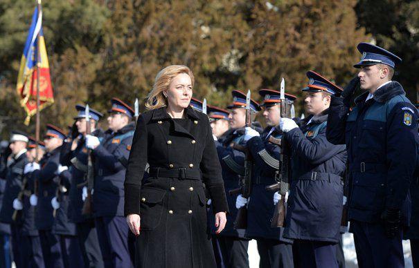 USR: Carmen Dan vrea să instaureze statul polițienesc