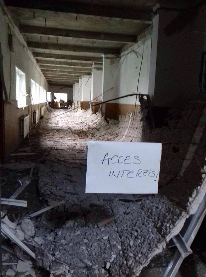 Cine răspunde când ne cade tavanul școlii în cap