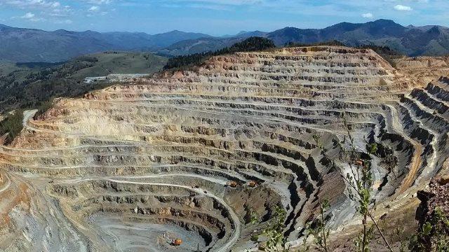 Cum a scăzut subit concentrația de aur din Apuseni după ce au venit chinezii!