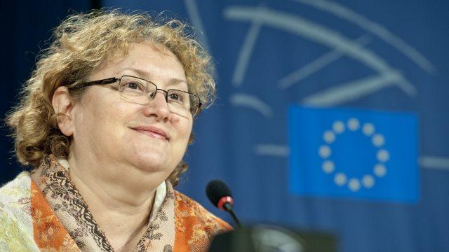 Renate Weber: Dacă e responsabil, Dragnea trebuie să demisioneze indiferent ce crede despre sentință