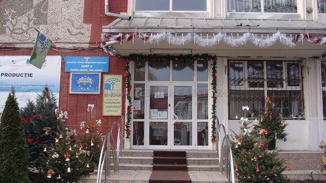 """ISJ Neamț se spală pe mâini în privința amenzilor abuzive de la Colegiul """"Cartianu"""""""