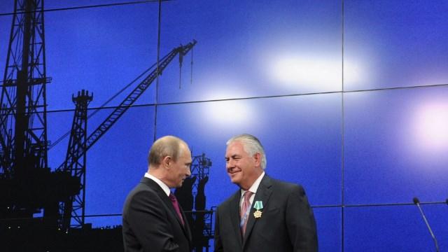 Căutați corupție și trădare? Luați la puricat jaful gazelor din Marea Neagră!