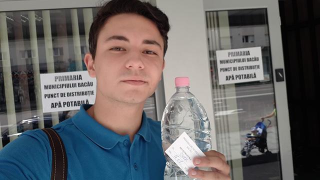 Petiție inedită la Bacău: un tânăr cere printr-o adresă oficială demisia primarului Cosmin Necula
