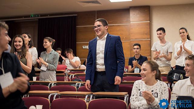 Nemțeanul Petru Apostoaia este noul președinte al Consiliului Național al Elevilor