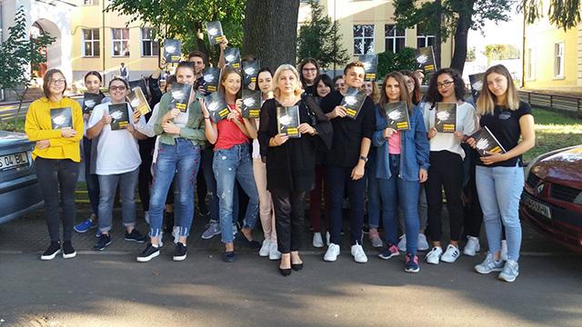 Iași și Brașov: primele ore de educație juridică formală