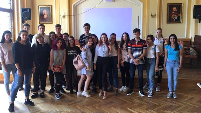 Protest al elevilor din județul Timiș de Ziua Educației: 5 (octombrie), stai jos!