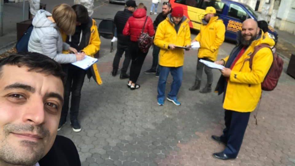 Independentul George Simion mai are nevoie de 25.000 de semnături pentru a candida la europarlamentare!