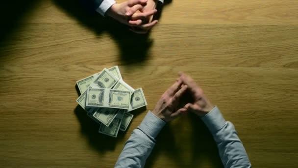"""Încă o săptămână profitabilă pentru firmele """"de casă"""" – topul achizițiilor publice (4-11 martie)"""