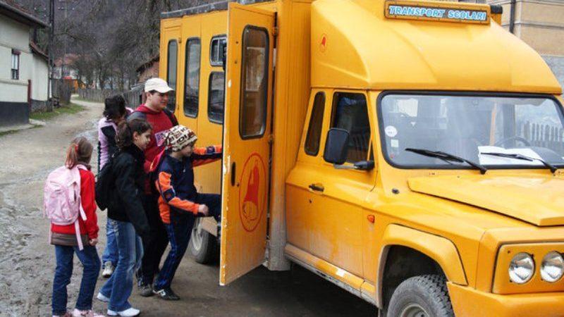 Scrisoare deschisă către Guvern: retrageți ordonanța de urgență care afectează drepturile elevilor la transport!