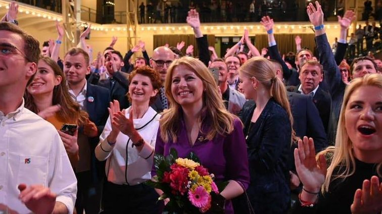 O activistă anticorupție a câștigat alegerile în Slovacia. S-ar putea întâmpla la noi?