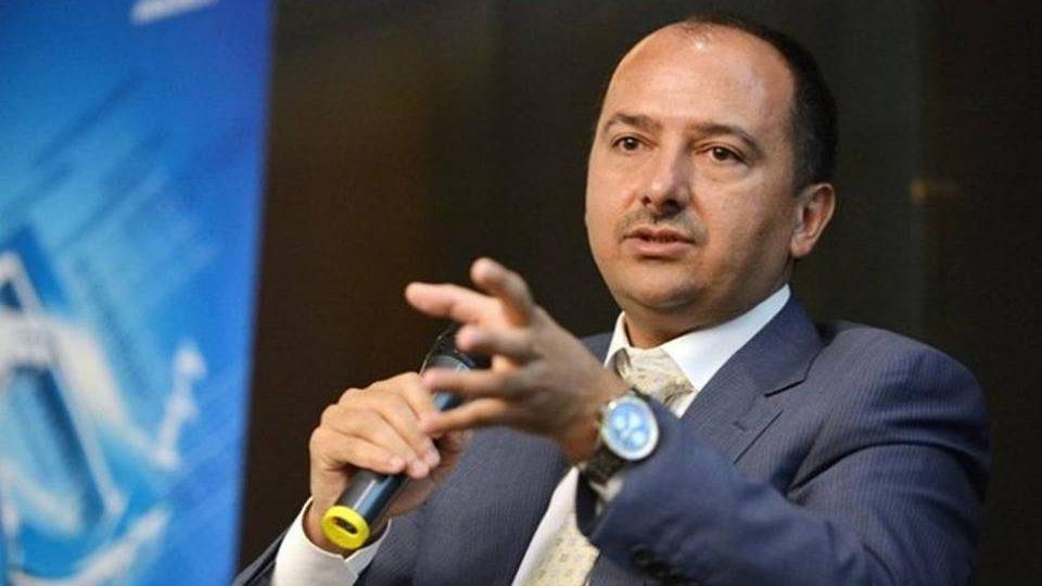 Cui pe cui se scoate! Darius Vâlcov, înlocuit cu un alt condamnat în funcția consilier onorific al premierului Dăncilă, Remus Borza