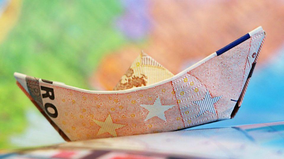 De ce România nu ar trebui să se grăbească să intre în zona Euro
