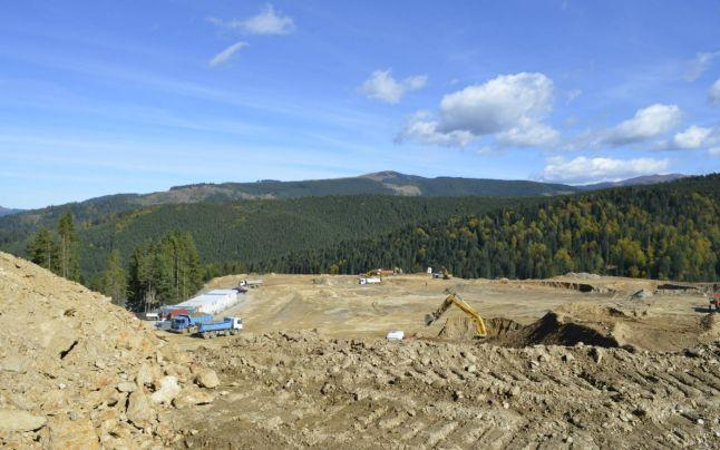 CJ Suceava nu se lasă! Vrea drept de administrare pe cele 9 hectare din pasul Mestecăniș unde a fost construită, fără consultare publică, o groapă de gunoi