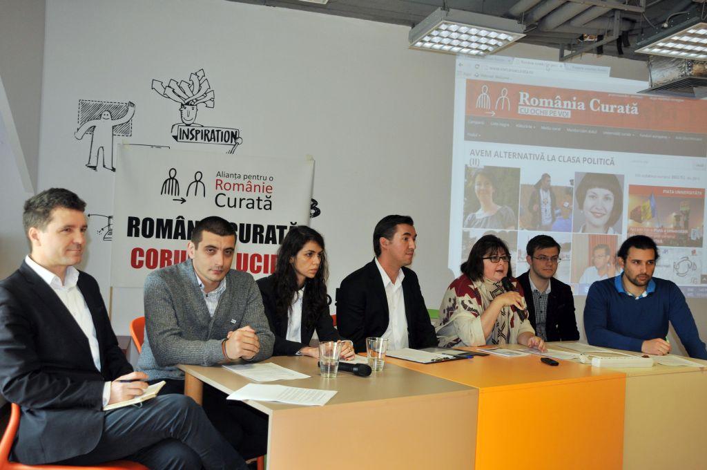 Revoluţie online. Alianţa pentru o Românie Curată a lansat Piaţa Universităţii Virtuală