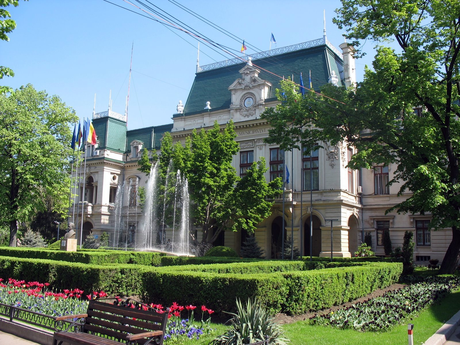 Cinematografele publice din Iași , câștigate de Primărie în instanță, reclamă investiții pentru reabilitare